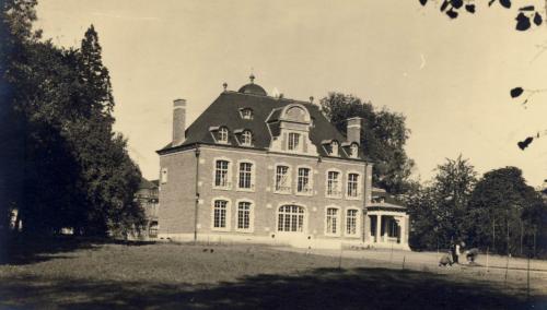 chateau descampe1957.PNG